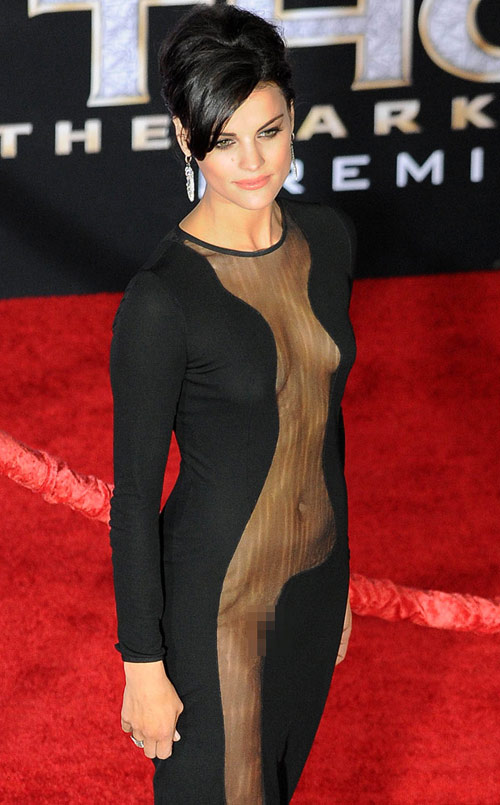 Candice Swanepoel lộng lẫy bên áo ngực triệu đô-15