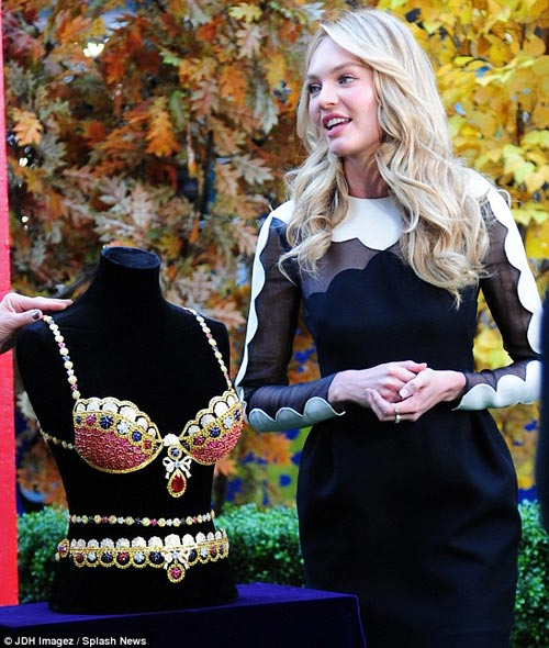Candice Swanepoel lộng lẫy bên áo ngực triệu đô-7