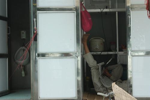 Hà Nội: Nhà vệ sinh tiền tỷ đắp chiếu-2