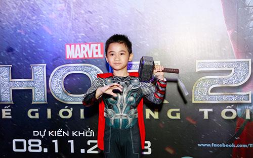 Kim Hiền hóa trang bé Sonic thành... Thor-1
