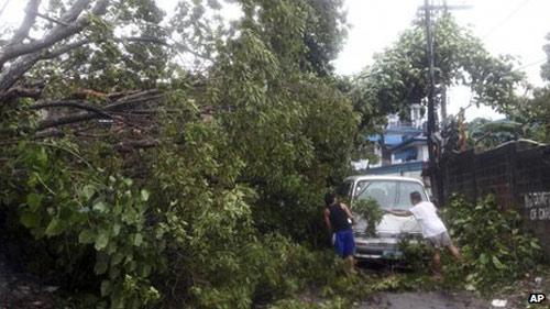 Cận cảnh siêu bão Haiyan càn quét Philippines - 3