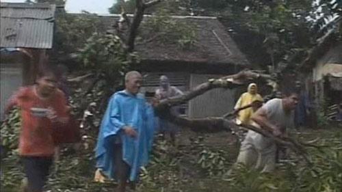 Cận cảnh siêu bão Haiyan càn quét Philippines - 2