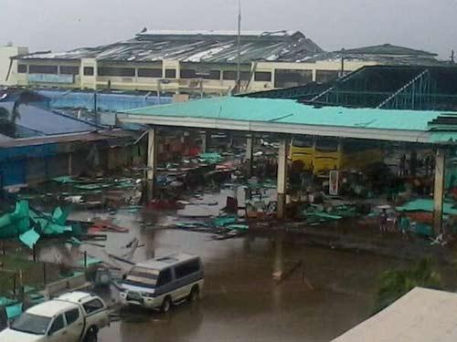 Cận cảnh siêu bão Haiyan càn quét Philippines - 6