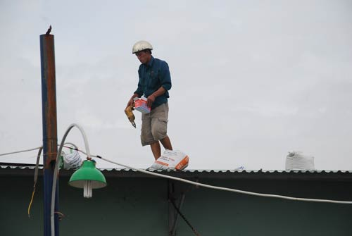 Dân miền Trung bắt đầu chạy siêu bão HaiYan - 1