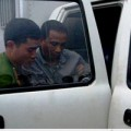 Tin tức - Lái xe ôm phát hiện kẻ mang 40 bánh heroin