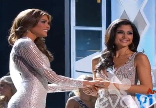 Hoa hậu Venezuela không hề biết đã đăng quang - 1