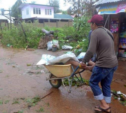 Ảnh, video: Philippines tan hoang sau siêu bão Haiyan - 10