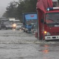 Cận cảnh bão HaiYan đổ bộ đảo Hải Nam, Trung Quốc