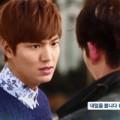 Làng sao - Kim Woo Bin đẩy Park Shin Hye xuống hồ