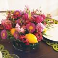 Nhà đẹp - Cắm hoa xen quả đơn giản, đẹp mắt