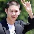 """Làng sao - Mỹ nam Suju thừa nhận có """"dao kéo"""" mũi"""