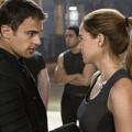 Xem & Đọc - Đến Chicago trong tương lai với Divergent