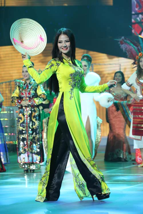 tran thi quynh lot top 6 mrs world 2013 - 4