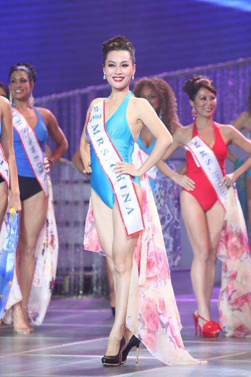 tran thi quynh lot top 6 mrs world 2013 - 17