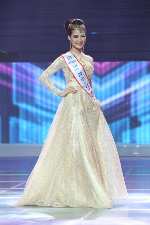 tran thi quynh lot top 6 mrs world 2013 - 15