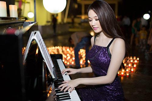 khanh my tro tai choi piano trong sinh nhat - 7