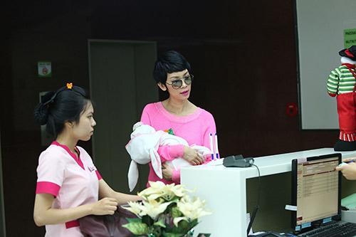 xuan lan lan dau lo dien sau khi sinh - 2