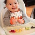 """Làm mẹ - Cho con ăn hoa quả: sai là """"công cốc"""""""