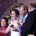 Làng sao - Vợ chồng Ngô Phương Lan nâng ly mừng hạnh phúc