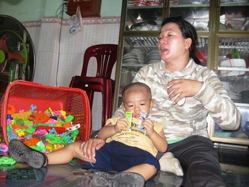 "bao mau hanh ha tre: luat su ""luan toi"" - 2"