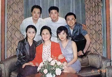 quynh dao khoe anh ben dan sao cach cach - 3