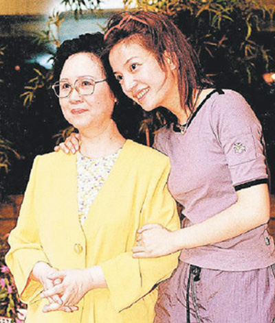 quynh dao khoe anh ben dan sao cach cach - 4