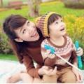 """Làng sao - MC Diệp Chi """"nghịch nắng"""" cùng con gái"""
