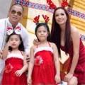 Làng sao - Vợ chồng Thuý Hạnh đưa hai con gái đi chơi Noel