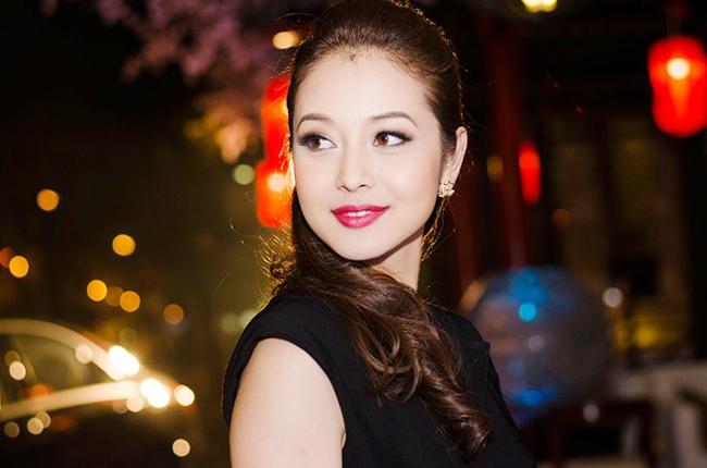 Sau đổ vỡ của cuộc hôn nhân với Quang Dũng, hạnh phúc lại mỉm cười với Jennifer Phạm khi cô tìm được bến đỗ mới bên doanh nhân Đức Hải.