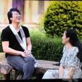 Làng sao - Vợ chồng Thanh Bùi chiếu phim trong đám cưới