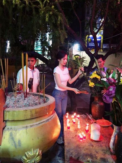 angela phuong trinh kin dao di le chua - 1