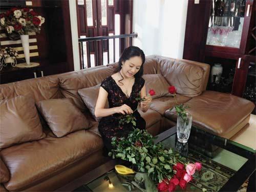 angela phuong trinh kin dao di le chua - 6