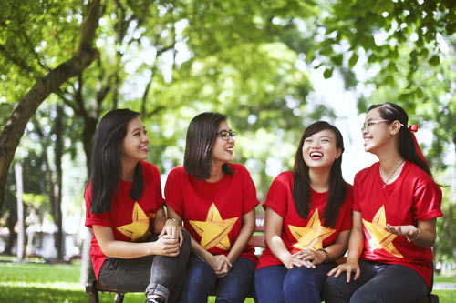 ban tre tau thanh nien dong nam a rang ngoi ao co to quoc - 5