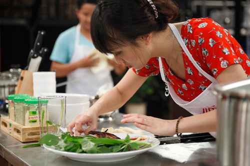 khanh phuong: nhuom toc cho ca tinh hop voi chuong trinh - 5