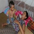 Tin tức - Nghẹn lòng mẹ ung thư giai đoạn cuối nuôi 2 con thơ dại