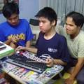 Tin tức - Chàng trai 'gõ bàn phím bằng đũa' mơ thành kỹ sư lập trình
