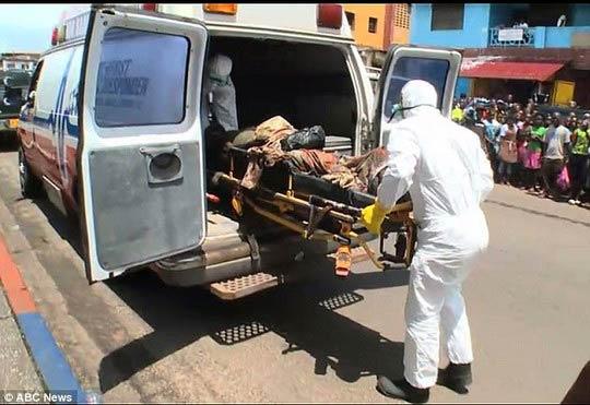 thi the nan nhan ebola dot nhien song lai - 4
