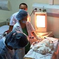 Làm mẹ - Dân mạng xúc động với em bé chào đời từ người mẹ hôn mê