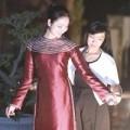 Thời trang - HH Ngọc Anh e ấp thử áo dài của NTK Võ Thùy Dương