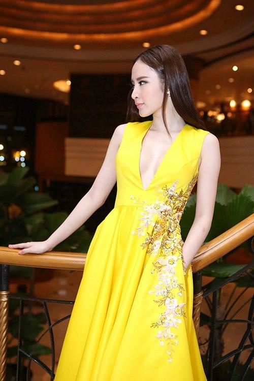 "angela phuong trinh kho ""de bep"" ve sexy vo hoang yen - 3"