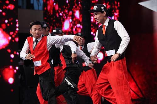 """vn's got talent: thi sinh hung bien, bgk """"nhan mat"""" - 5"""
