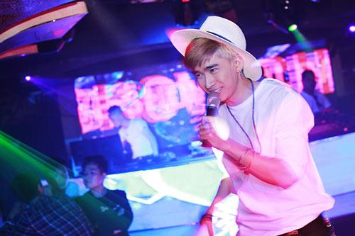 hot boy chi dan duoc fan ngoai quoc yeu men - 4