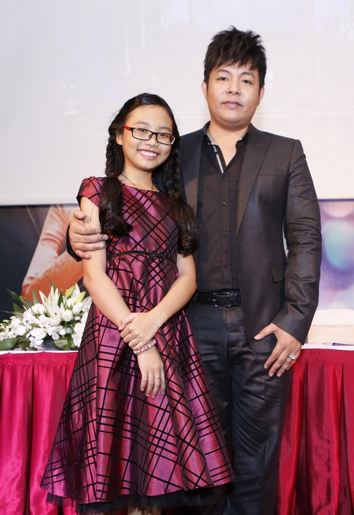 quang le chi 4 ti lam show voi phuong my chi - 1