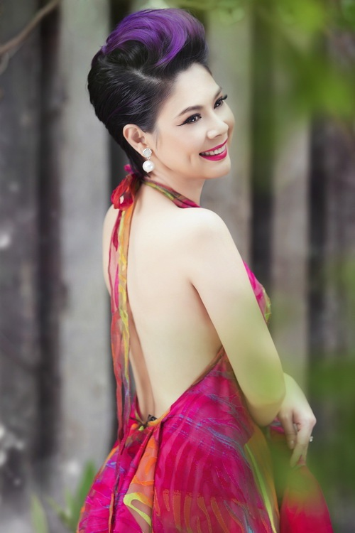 thanh thao khoe tron lung tran nuot na - 1