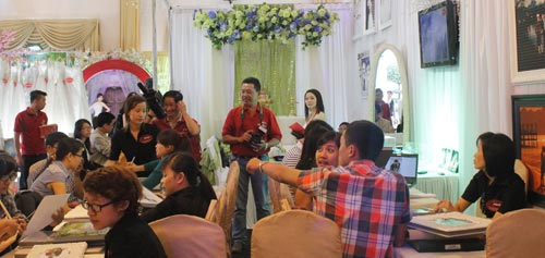 """nhin lai """"queen's day 2014 – the love story"""" - 2"""