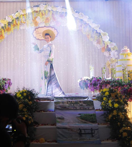 """nhin lai """"queen's day 2014 – the love story"""" - 3"""