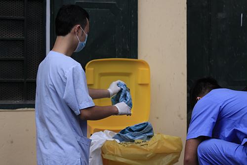 can canh quy trinh ung pho voi ebola o ha noi - 7
