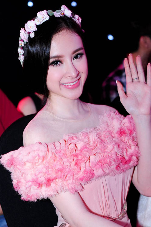 angela phuong trinh dep nhu nu than voi bom hoa - 4