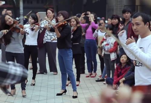 nhac giao huong flashmob duong pho gay chu y - 5