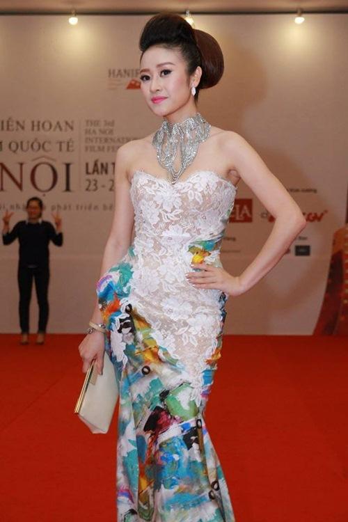 Tuần qua: Cô dâu Quỳnh Nga cuốn hút với vòng 1 tròn đầy-13